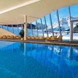 Schwimmbad im Family Resort Rainer