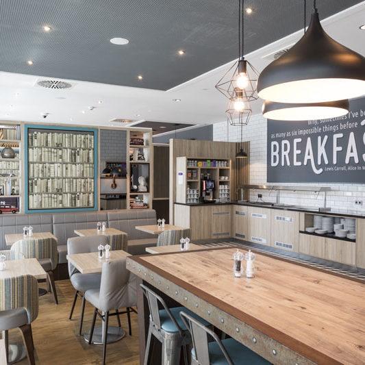 Premier-Inn-Freiburg_Breakfast-Area