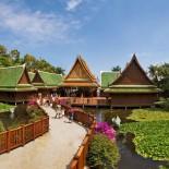 Thai-Dorf Loro-Parque