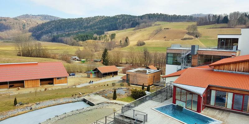 Ansicht Familotel Schreinerhof mit Bauernhof ©Aline Scheuböck