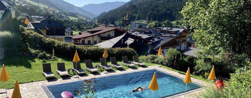 Rooftop-Pool-SBH-Saalbacher-Hof Saalbach-Hinterglemm @ Foto: Andrea Fischer