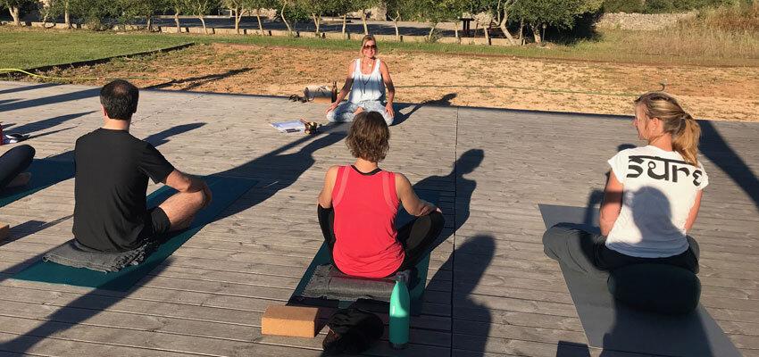 Yoga Gruppe auf Son Manera
