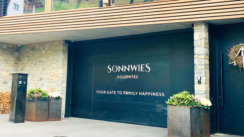 Sonnwies-Garagentor: Your Gate to Family Happiness Foto: © Andrea Fischer