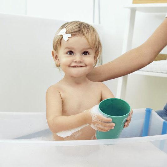 Stokke Flexi Bath Transparent - Die Badewanne für unterwegs