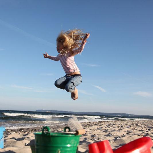 Strand-mit-Kind-TZR Foto@Tourismus-Zentrale-Rügen