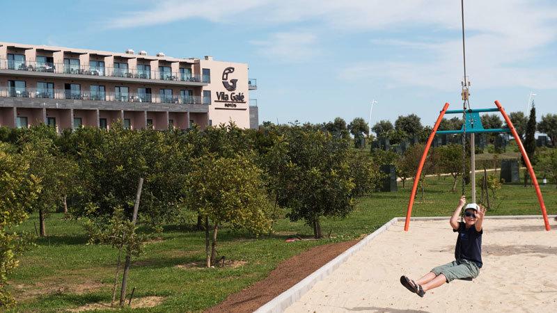 Hotel Vila Galé Lagos, Spielplatz mit Kind @ Foto: Trips4Kids.de, Thomas Weiß