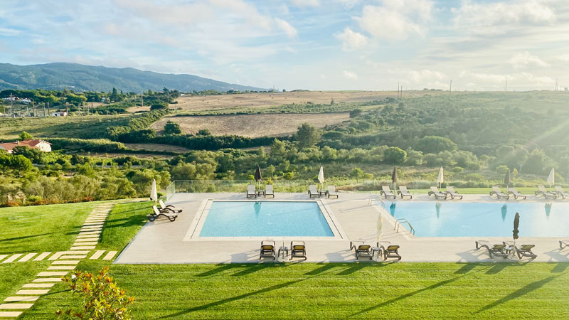 Vila Gale Sintra, Pools mit Landschaft Foto: © Andrea Fischer, Trips4Kids.de