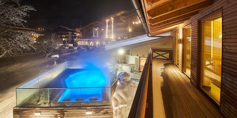 Whirlpool-Nacht-mit-Schnee-