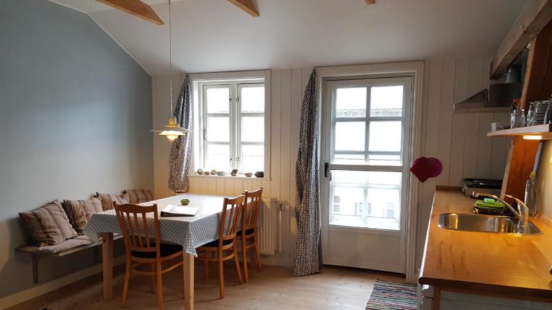Wohnküche, Appartment, Hellevad Vandmølle, Bauernhofurlaub, Jütland © Foto: Nadine Sorgenfrei