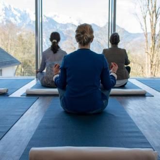 Yoga mit Kunst Tolelzer Land
